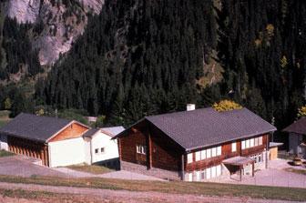 Schulhaus Safien Platz