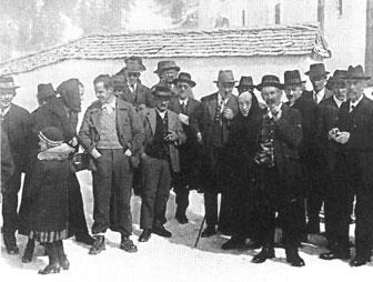 Kirchplatz Lech 1930