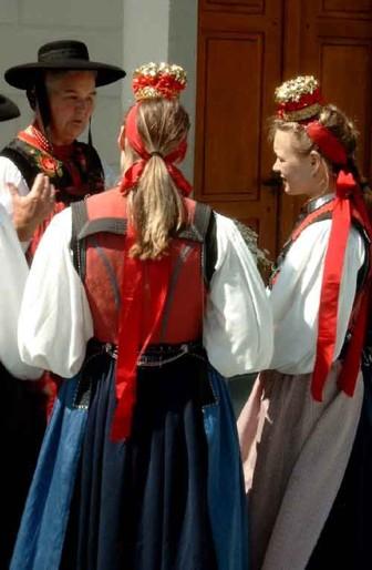 Die typischen Bändel der Laternser Mädchen (Foto: Christoph Schmidt)